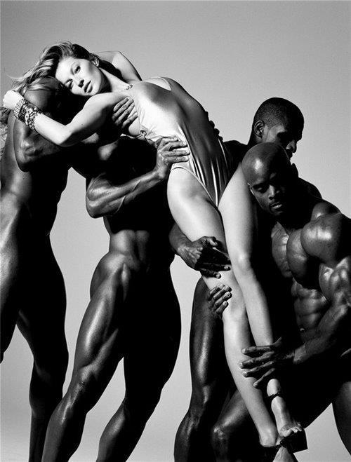 черно белое фото голых мужчин
